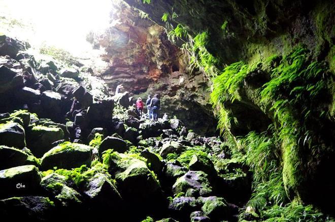 Hang núi lửa lớn nhất Việt Nam đón khách từ năm 2016