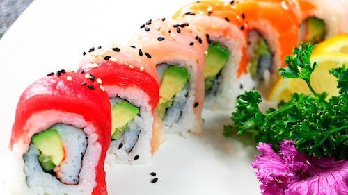 Nghệ thuật làm Sushi – cuộc chơi không chỉ dành cho đàn ông ở Tokyo
