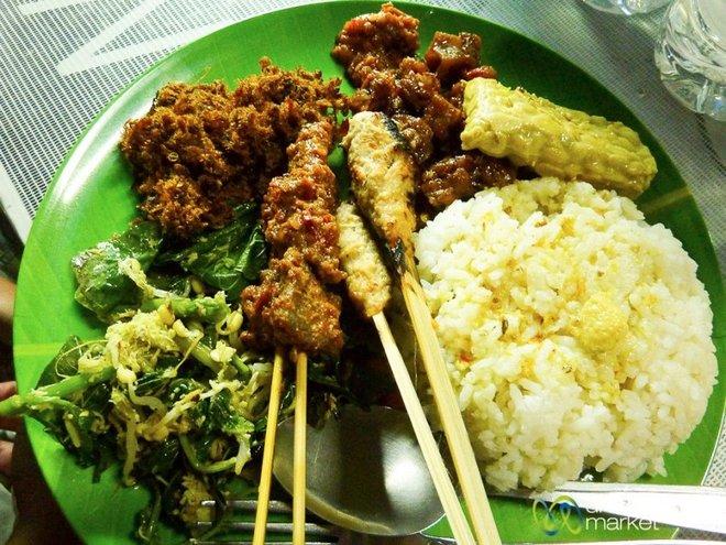 Chả cá - món ăn Việt được nhiều du khách ưa thích