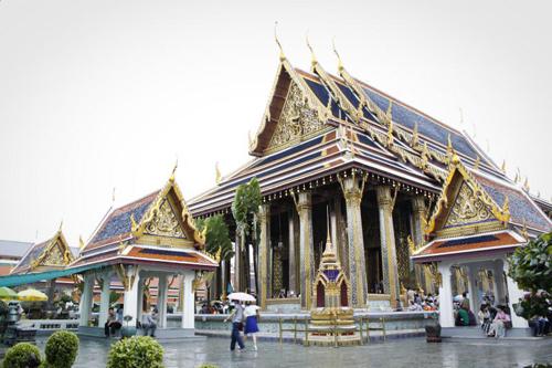 Cung điện Grand Palace địa điểm phượt hấp dẫn nằm dọc sông ở Bangkok