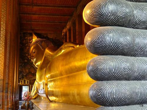 Chùa Wat Pho địa điểm phượt hấp dẫn nằm dọc sông ở Bangkok