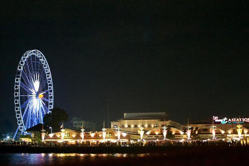 Khu bờ sông Asiatique địa điểm phượt hấp dẫn nằm dọc sông ở Bangkok