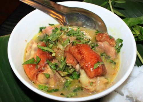 bun-Household-spicy-and-ball-soup-ghe-la-oral-to-bua-noon-o-ha-noi