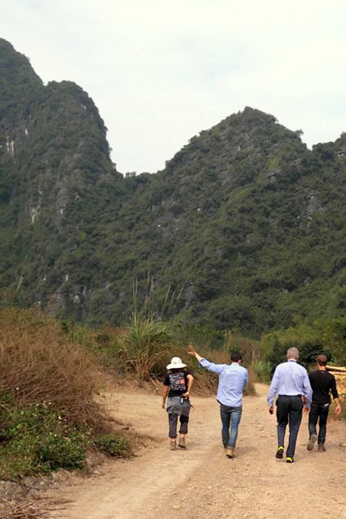 US Ambassador visits the studio puddle 'King Kong' in Ninh Binh