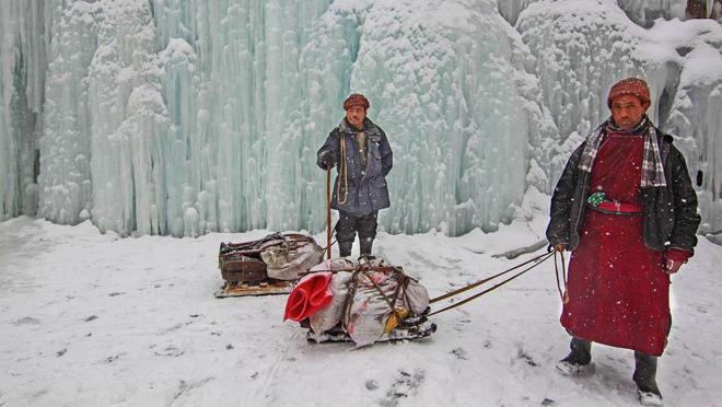 Con đường chỉ xuất hiện vào mùa đông ở himalaya - 7