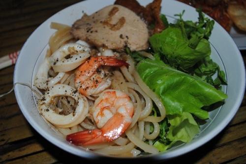 Cao Lầu được công nhận là Món ăn đạt giá trị ẩm thực châu Á