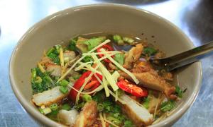 Bánh xèo tôm nhảy và bánh canh chả cá ở Quy Nhơn