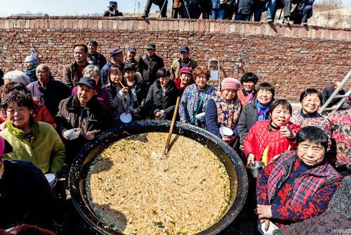 2000-nguoi-an-noi-mi-khong-lo-o-trung-quoc