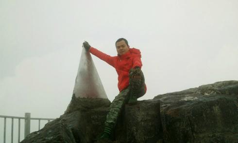 Hành trình leo Fansipan bằng đường bộ thời cáp treo