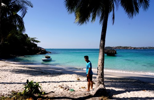 dao-mong-tay-thien-duong-bien-sanh-ngang-maldives-page-2-3