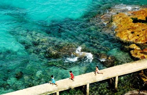 Cuộc sống bình yên trên đảo sẽ giúp bạn có được tinh thần thư thái nhất. Ảnh: Bùi Thắng.