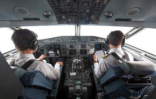 dieu-gi-xay-ra-neu-dien-thoai-khong-chuyen-airplane-mode-khi-di-may-bay-1