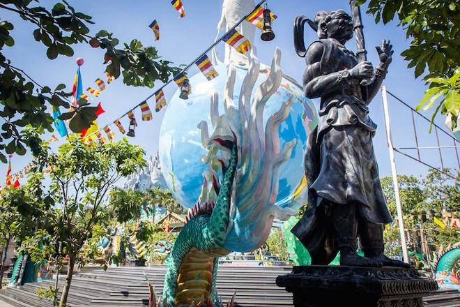 Khách Tây gọi Suối Tiên là Disneyland phong cách Việt Nam