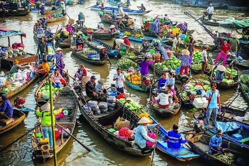 Chợ nổi Cái Bè, Cái Răng cũng là những địa điểm nổi tiếng khác ở khu vực miền Tây.