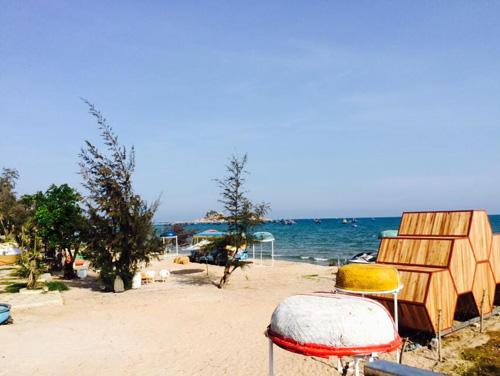 Điểm cắm trại dễ thương trên bãi biển Kê Gà - ảnh 2