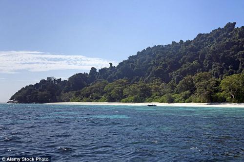 Chính quyền Thái Lan khẳng định du khách đang phá hủy hòn đảo thiên đường này. Ảnh: Alamy.