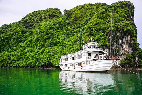 kham-pha-thien-nhien-ha-long-tren-tau-oriental-sails-xin-bai-edit-2