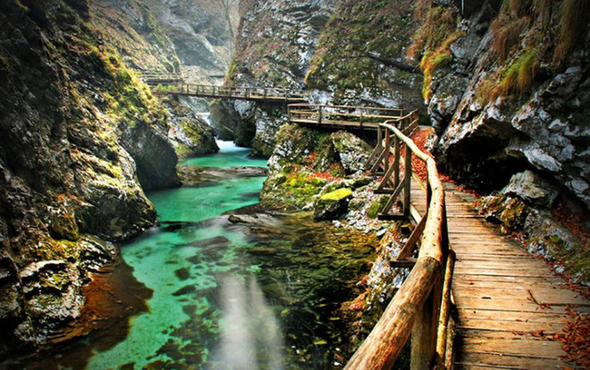 10 con đường mòn trên núi đẹp nhất thế giới