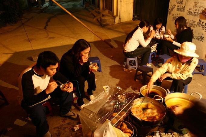 Quán bánh rán 28 năm ở Hà Nội