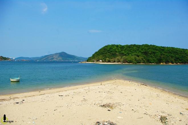 Con đường dưới mực nước biển ở Phú Yên
