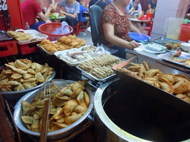 10 món đường phố 'phải ăn' ở Hà Nội