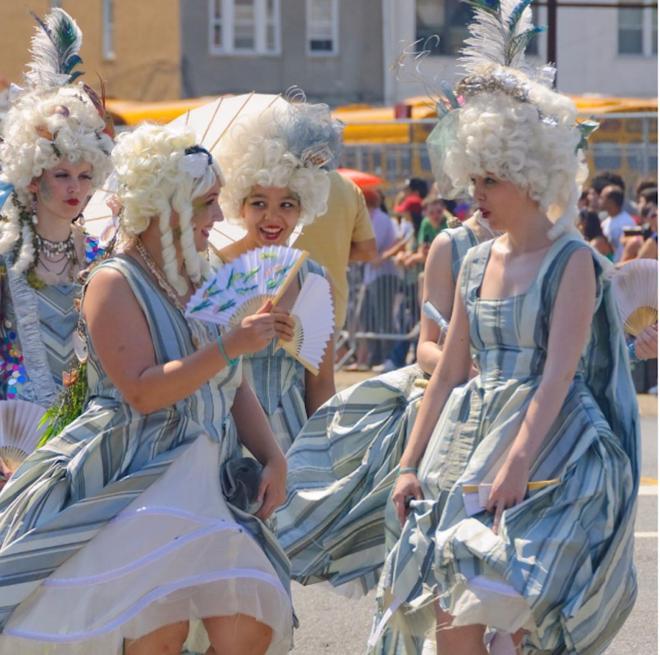 Cuộc diễu hành của các nàng tiên cá ở Mỹ