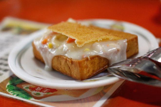 Bánh mì quan tài - món ăn đường phố độc đáo của Đài Loan