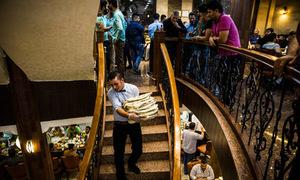 Nhà hàng phục vụ cả lính Mỹ lẫn IS ở Iraq