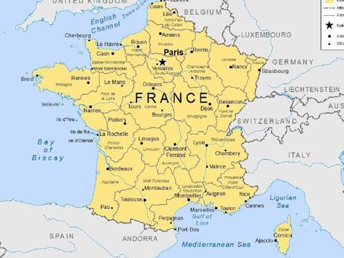 Pháp trở thành điểm đến bị cảnh báo về an toàn du lịch
