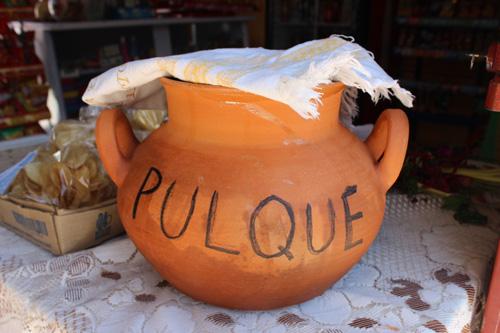 ruou-pulque-su-troi-day-cua-cac-vi-than