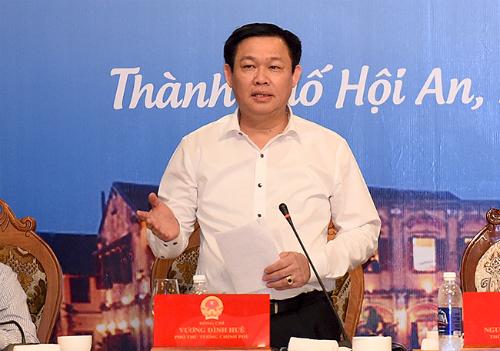 Phó Thủ tướng Vương Đình Huệ, người được Bộ Chính trị giao chỉ đạo việc xây dựng Đề án đưa du lịch thành ngành kinh tế mũi nhọn.