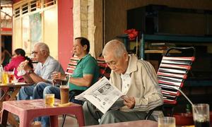Nhịp sống Sài Gòn hàng ngày bên ly cà phê