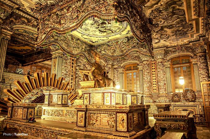 Khu lăng mộ duy nhất pha trộn kiến trúc Đông - Tây ở Huế