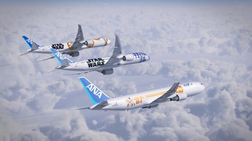 Năm 2015, hãng ANA ra mắt 3 máy bay mới cho dòng Star Wars (phim Chiến tranh giữa các vì sao) để tưởng nhớ các nhân vật BB-8 và R2-D2. Ảnh: CNN.