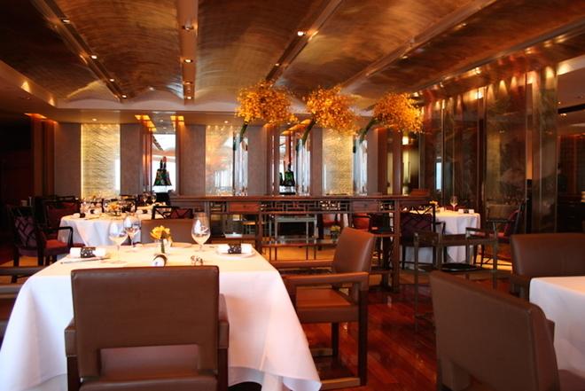 Bữa ăn sang trọng tại nhà hàng ngon nhất Hong Kong