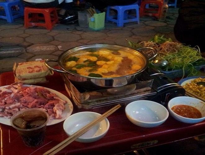 Những quán ăn chậm chân là bị đuổi dọc phố Lò Đúc