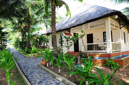 Hai khách sạn ở Nha Trang và Phú Quốc bị thu hồi sao
