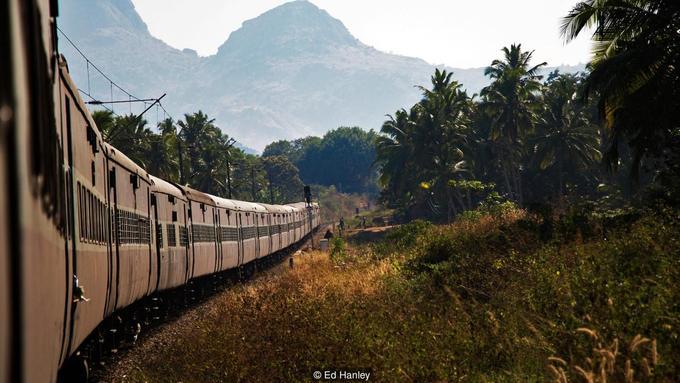 Chuyến tàu lửa dài nhất Ấn Độ