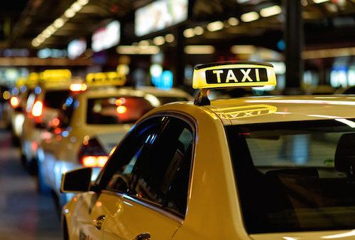 Khách Trung Quốc bị tài xế taxi 'chặt chém' ở Hà Lan