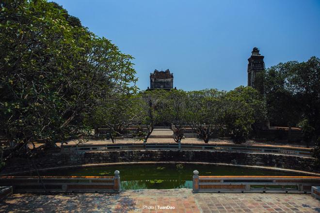 Lăng mộ của vua có 103 bà vợ ở Việt Nam