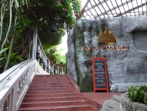 chua-nui-vang-noi-linh-thieng-bac-nhat-bangkok-1