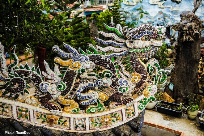 Chùa 've chai' nắm giữ nhiều kỷ lục ở Đà Lạt