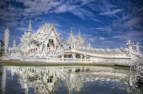 Đền Trắng ở Thái Lan thu vé đối với du khách nước ngoài