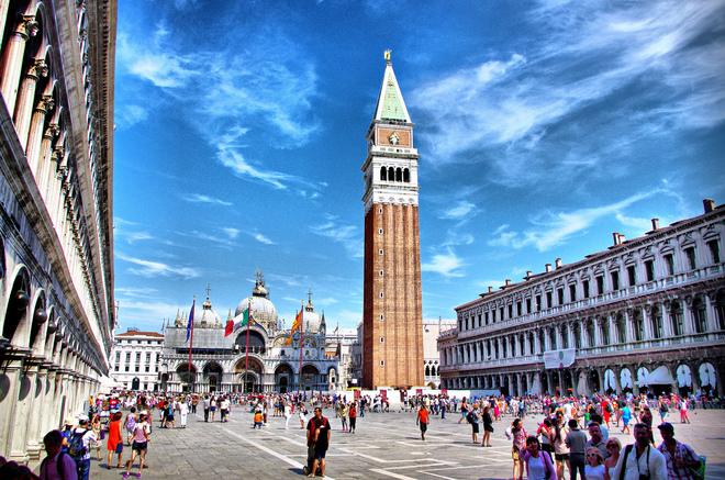10 quảng trường đẹp nhất thế giới
