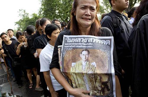 thai-lan-dong-cua-pho-den-do-trong-thoi-gian-quoc-tang
