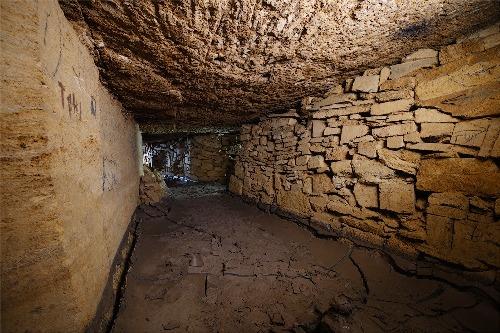 Hầm mộ như mê cung với 1.000 lối vào - ảnh 1