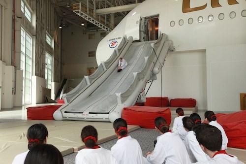 Cô gái Việt khổ luyện thành tiếp viên hãng bay của Dubai - ảnh 2