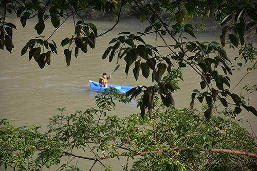 Nước sông Chày - suối Moọc mất màu xanh vì lũ