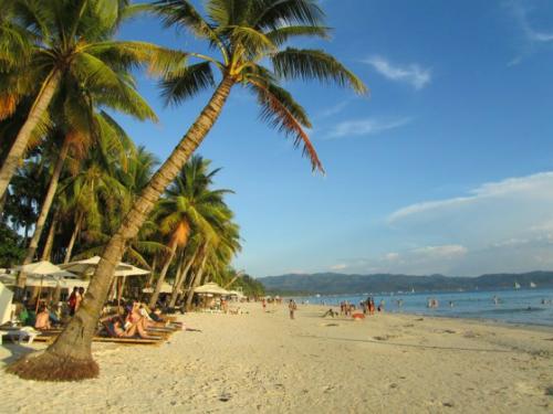 Boracay là hòn đảo được yêu thích nhất năm 2016
