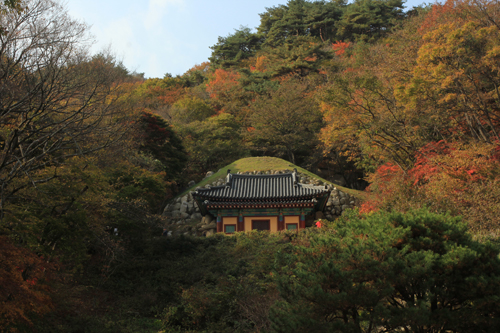 Bên trong động Seokguram